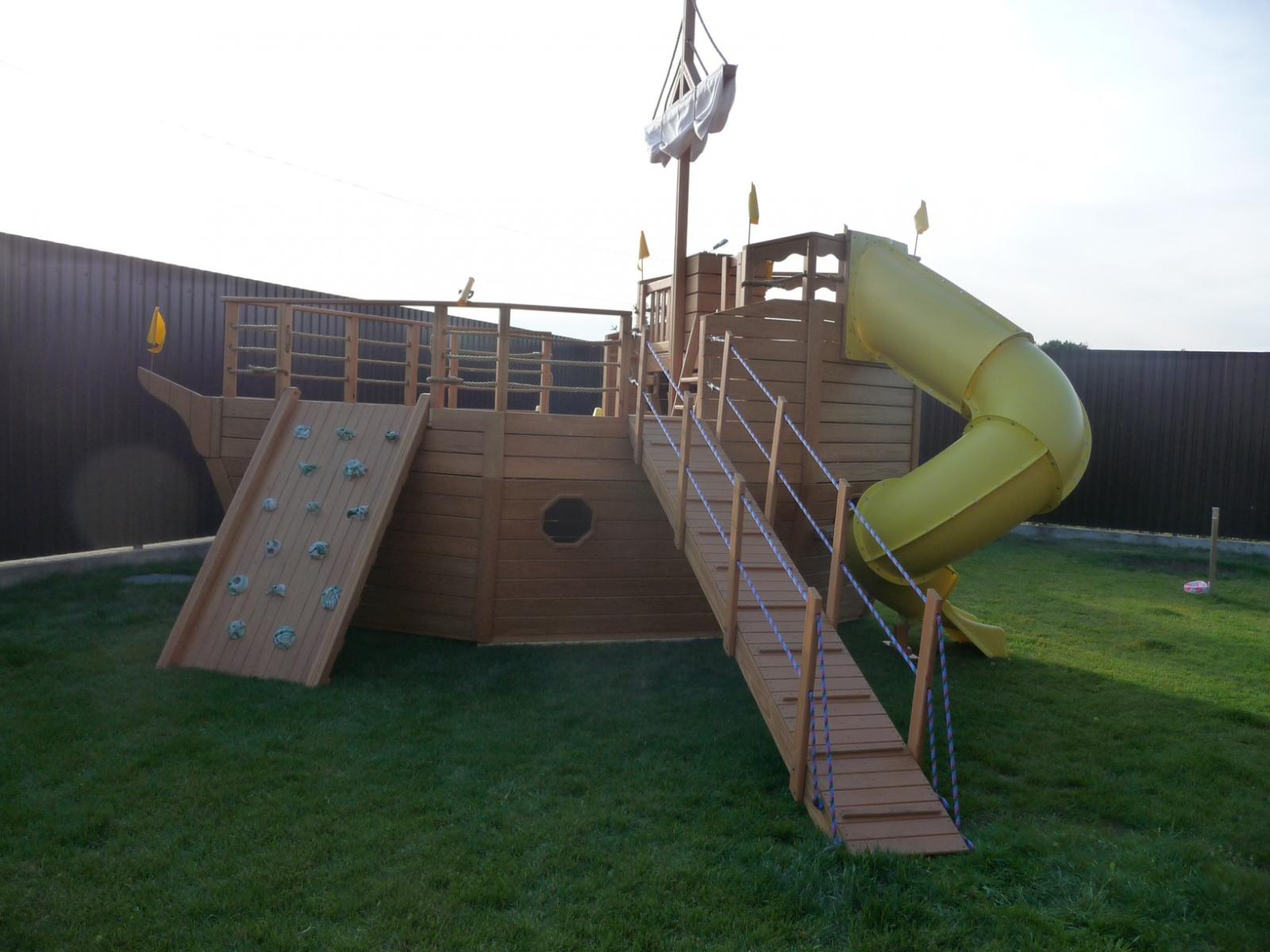Детский корабль для детской площадки